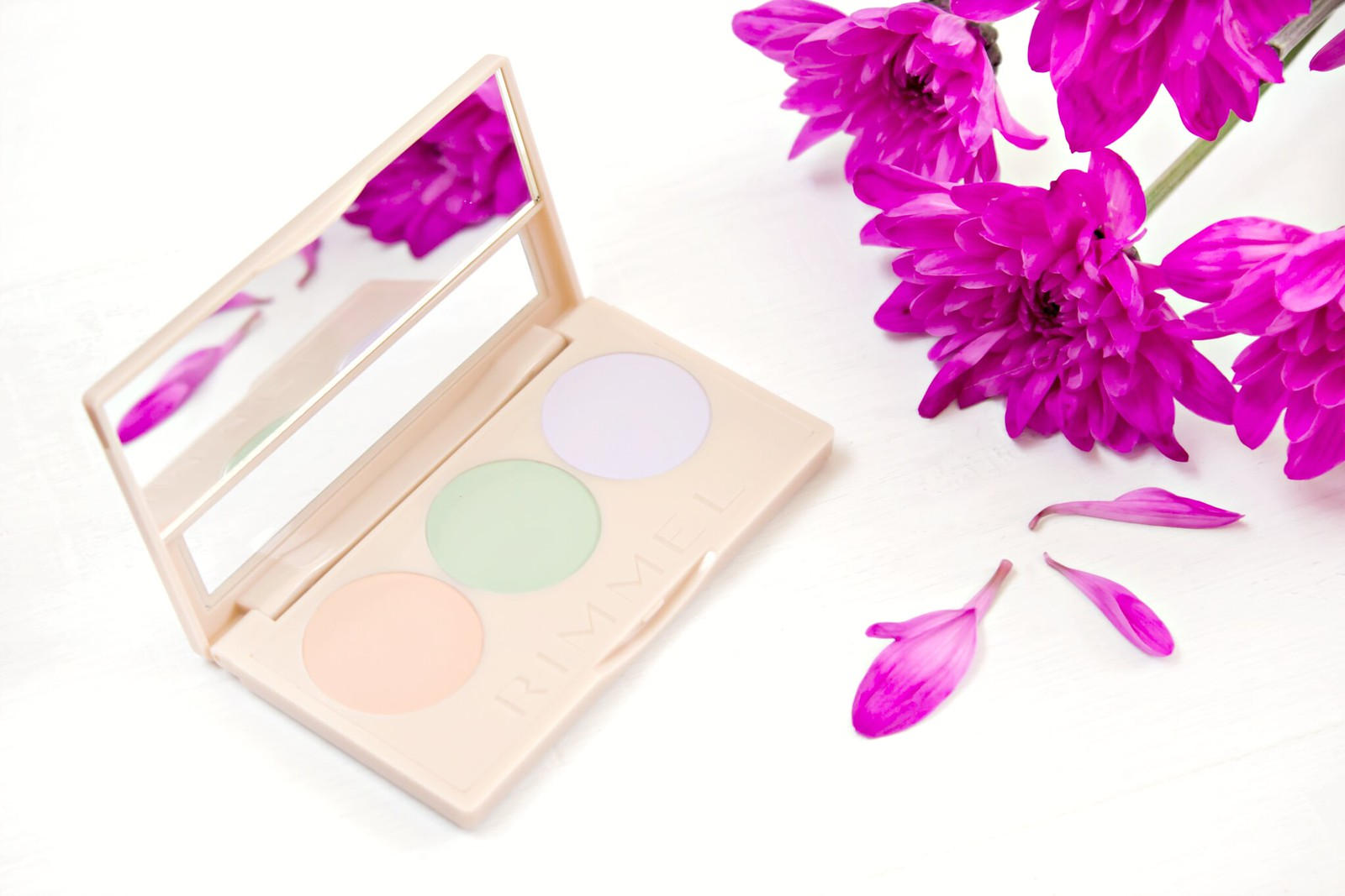 Insta Conceal and Correct Palette