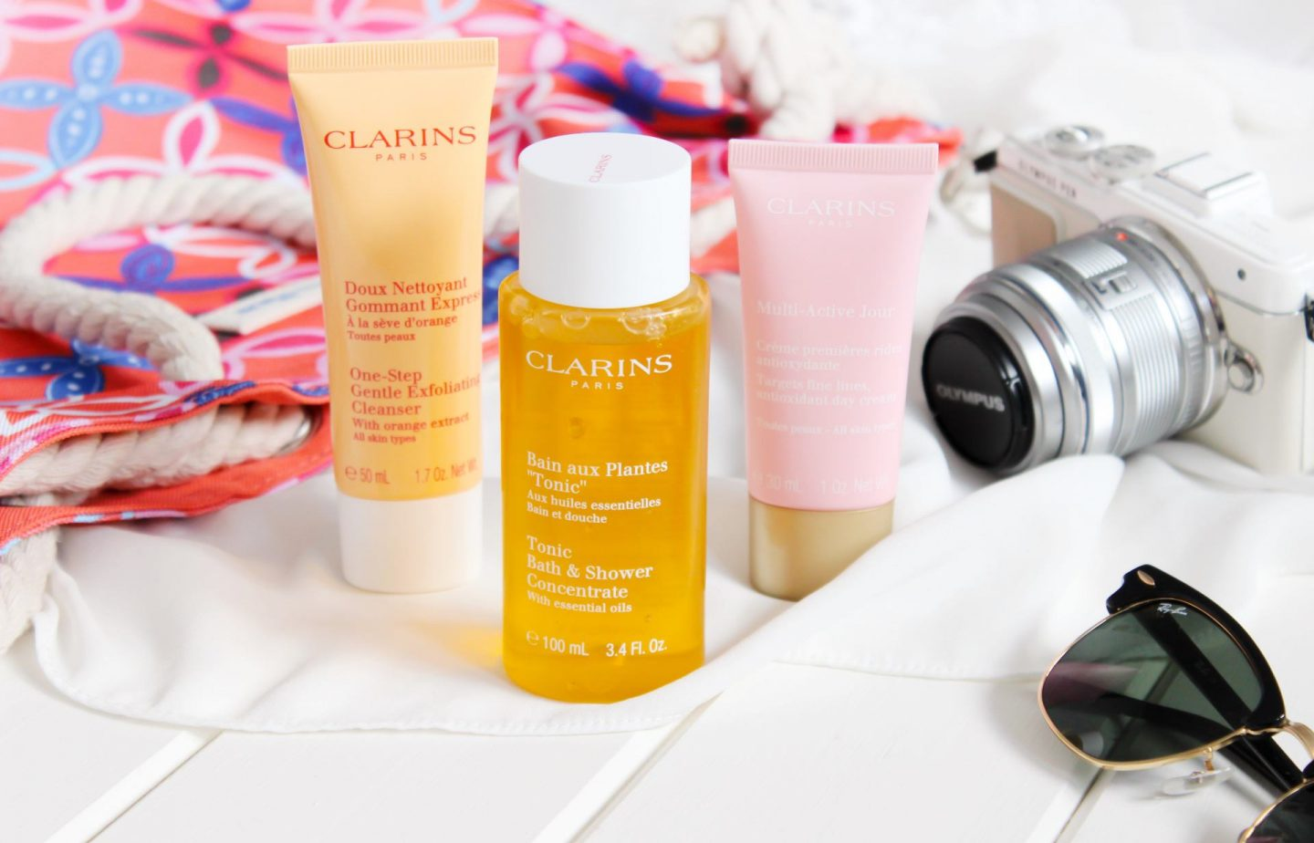 Summer Ready with Clarins X In The Frow